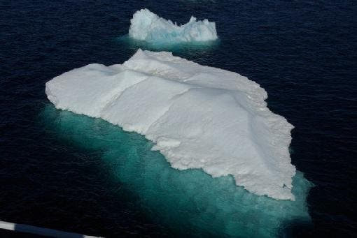 510_antarctica_the_blue_iceberg_2_