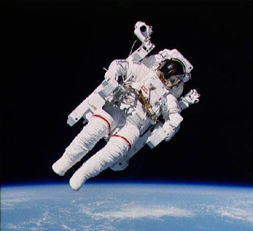 Pour les passionnés d'automobiles Astronaut-1