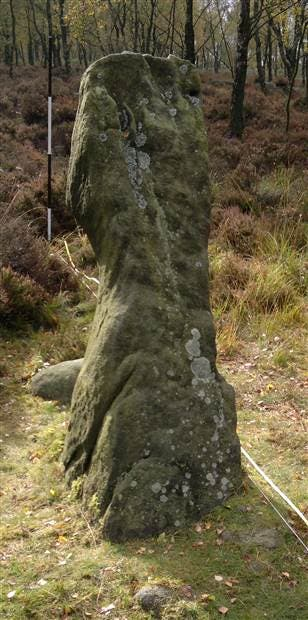 A 4,000-year-old monolith located at a ridge called Gardom's Edge in the Peak District National Park near Manchester, which most likely served as an astronomical tool to mark the seasons, astronomers believe. (C) D. Brown / Nottingham Trent University