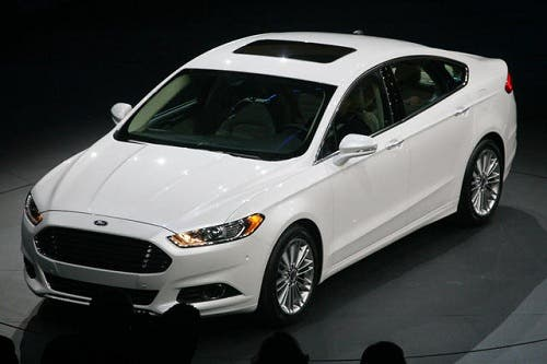 2013 Ford Fusion - Fantastic Hybrid Car