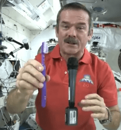 brush-teeth-in-space