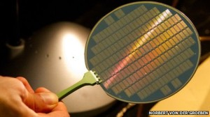 Wafer filled with CNTs transistors.