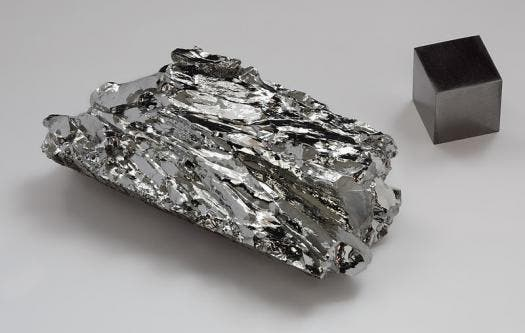 Molybdenum gained 0.0122 atomic masses. Picture source.