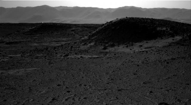 Curiosity rover captures a strange flare on the Martian surface