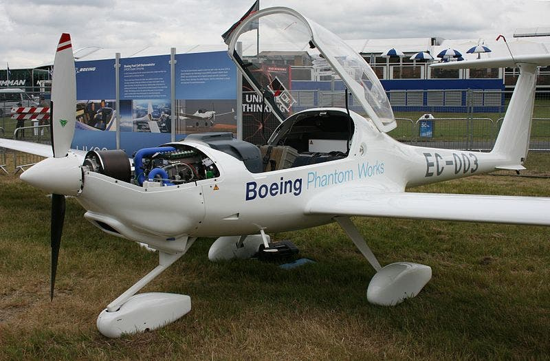 800px-Boeing_Fuel_Cell_Demonstrator_AB11