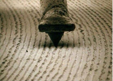 Watch A Vinyl And Stylus At 1000x Magnification