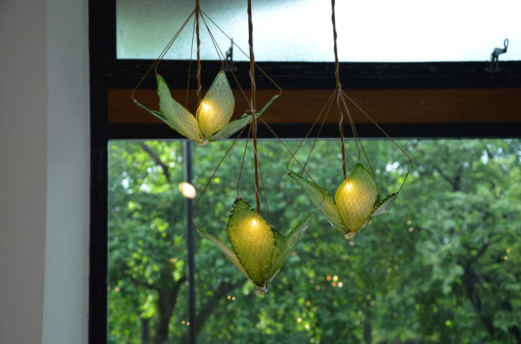 "The ""Silk Leaf"" uses light given off by your bulbs to fuel fresh oxygen generation in your living room. Image: Julian Melchiorri"