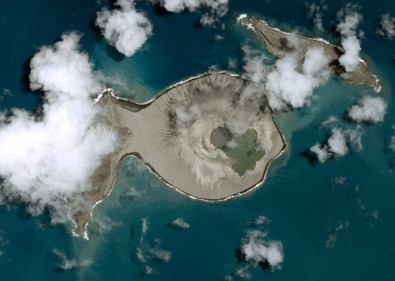 A new island was just made in the Pacific Ocean by an ... Pacific Ocean Underwater Volcanoes