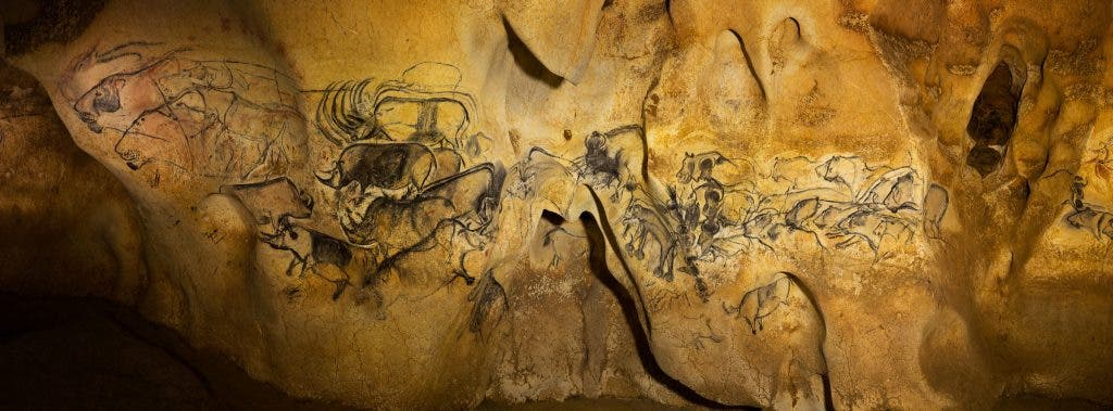 Mini Man Cave Painting : The amazing year old drawings in chauvet cave