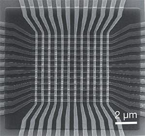 The artificial neural circuit can learn to recognize simple black-and-white patterns, thanks to devices called memristors located at each place the wires cross. Image: UCSB
