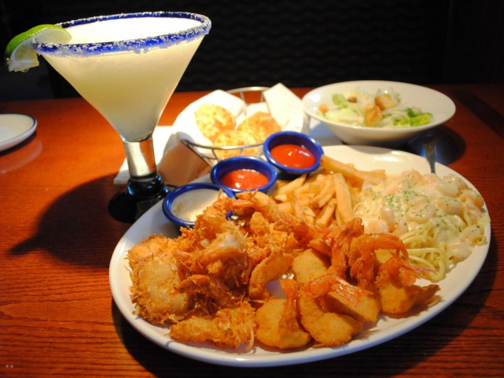 "Red Lobster: ""Create Your Own Combination"" meal (2,710 calories). Adding a Lobsterita, the chain's 890-calorie margarita, brings the total to 3,600 calories."