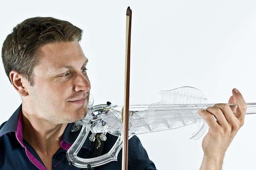 Laurent Bernadac and his 3D printed violin. Image: 3Dvarius