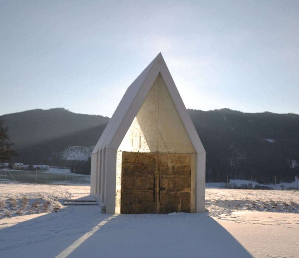 modern minimalist chapel in austria is a new take on an old concept. Black Bedroom Furniture Sets. Home Design Ideas
