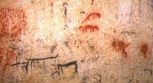 Ancient cave paintings in El Portalón. Image: Antiquity Journal