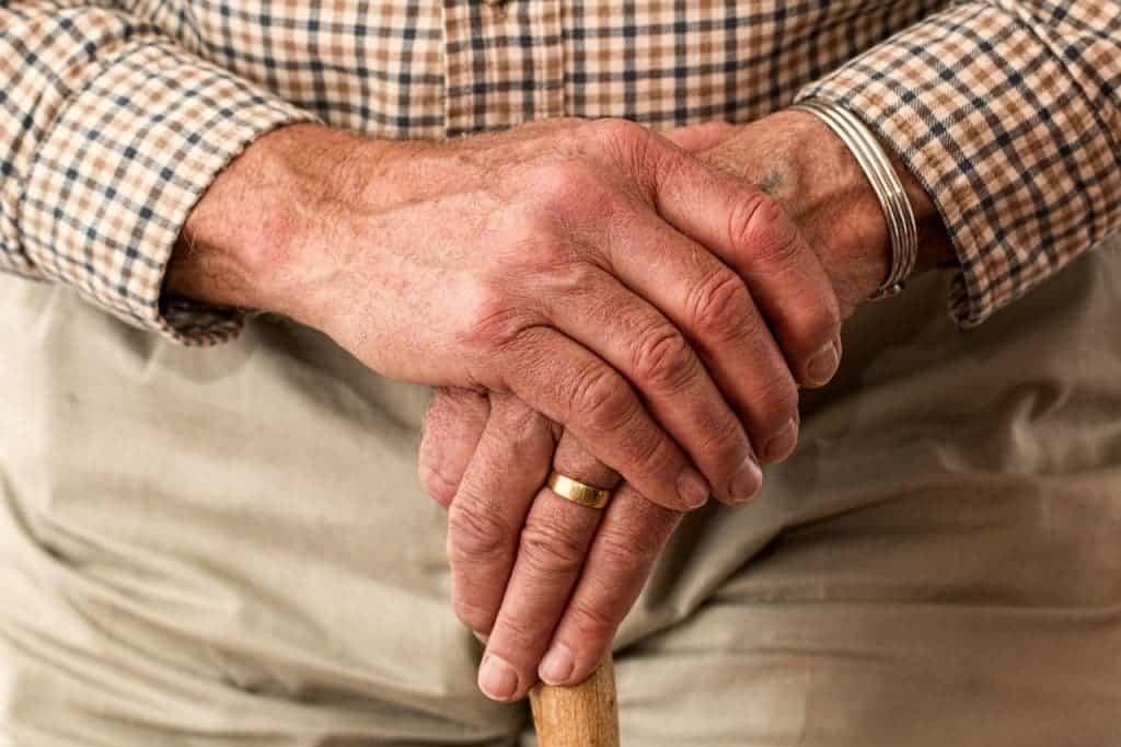 hands-old