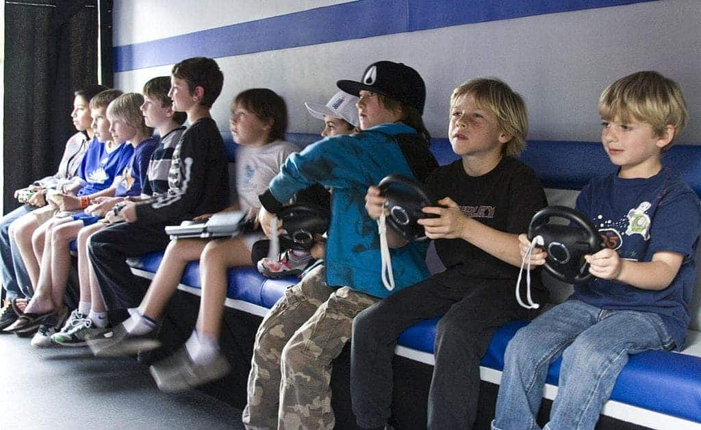Keep these hints In Mind When Playing video clip Games 1024px-Children_playing_video_games