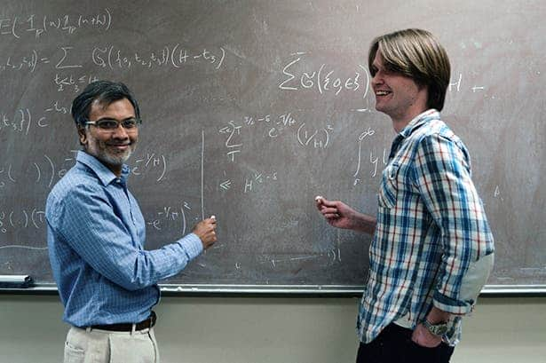 Kannan Soundararajan, left, and Robert Lemke Oliver of Stanford University. Image: Waheeda Khalfan