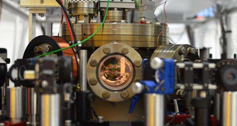 Researchers managed to make an atom behave like a heat engine, but it took machinery the size of a room to get there. Captioned is a vacuum chamber containing the atom. Credit: AG Quantum