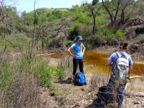 Nancy Lauer and Jennifer Harkness sample water and soil. (Photo: Avner Vengosh)