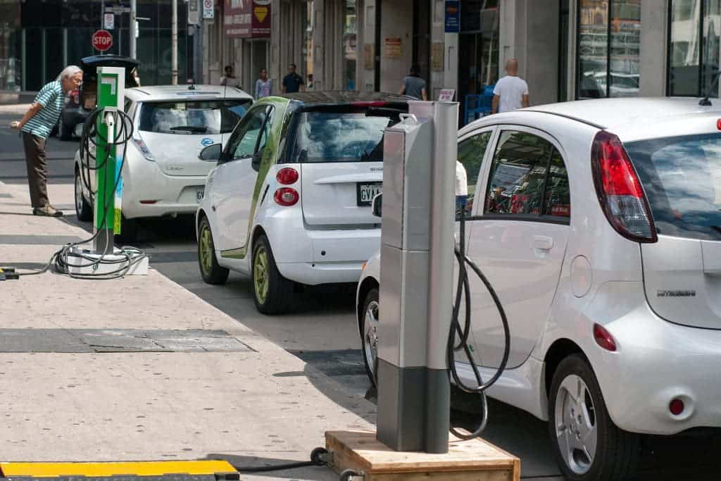 Norway to \'completely ban all petrol powered cars by 2025\'