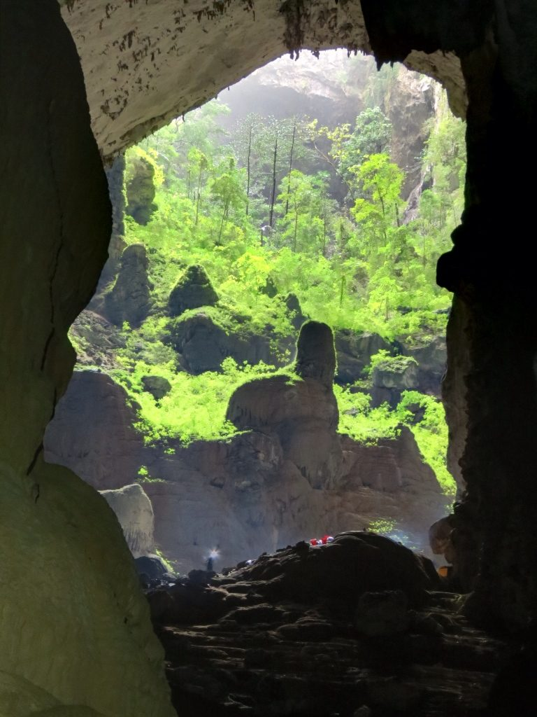 How caves form and the different types of caves