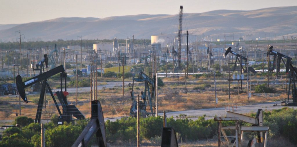 The San Ardo Oil Field From the Coast Starlight. Credit: Wikimedia Commons
