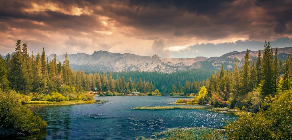Just look at this beautiful lake. And the mountains. It's all so very nice. You know what else would be nice? Not shiv-ing other inmates in the showers. Ahhh, nature. Image via pexels