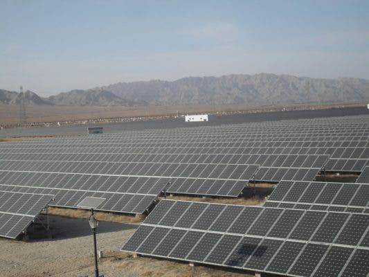100MW Ningxia Shizuishan Solar Power Plant—China.