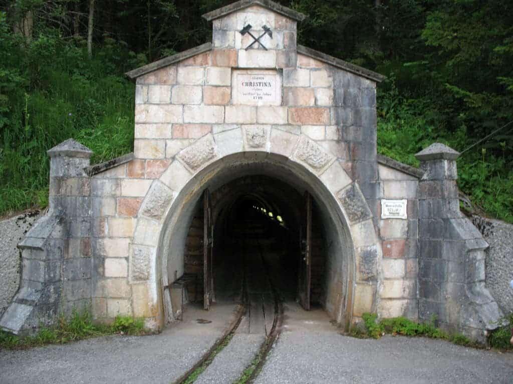 And old entrance to the Hallstatt - Salzbergwerk salt mine. Credit: Wikimedia Commons
