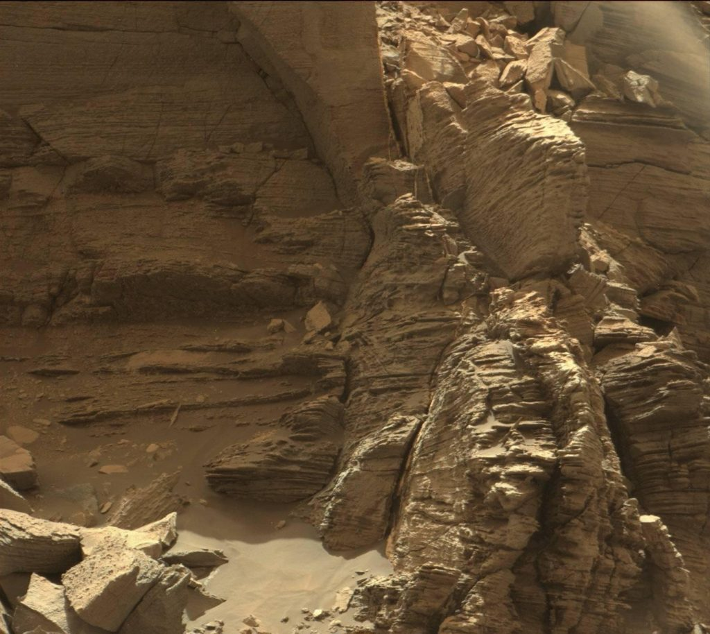 This view from the Mast Camera (Mastcam) in NASA's Curiosity Mars rover shows an outcrop of finely layered rocks within the Murray Buttes region on lower Mount Sharp. Image credits NASA/JPL-Caltech.