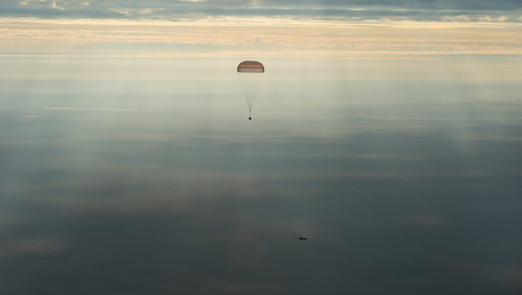 astronauts back to earth