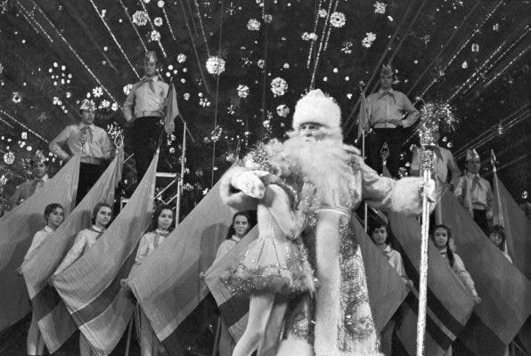 The glorious Ded Moroz during a celebration in Moscow, 1973. Credit: Russian Ambience.