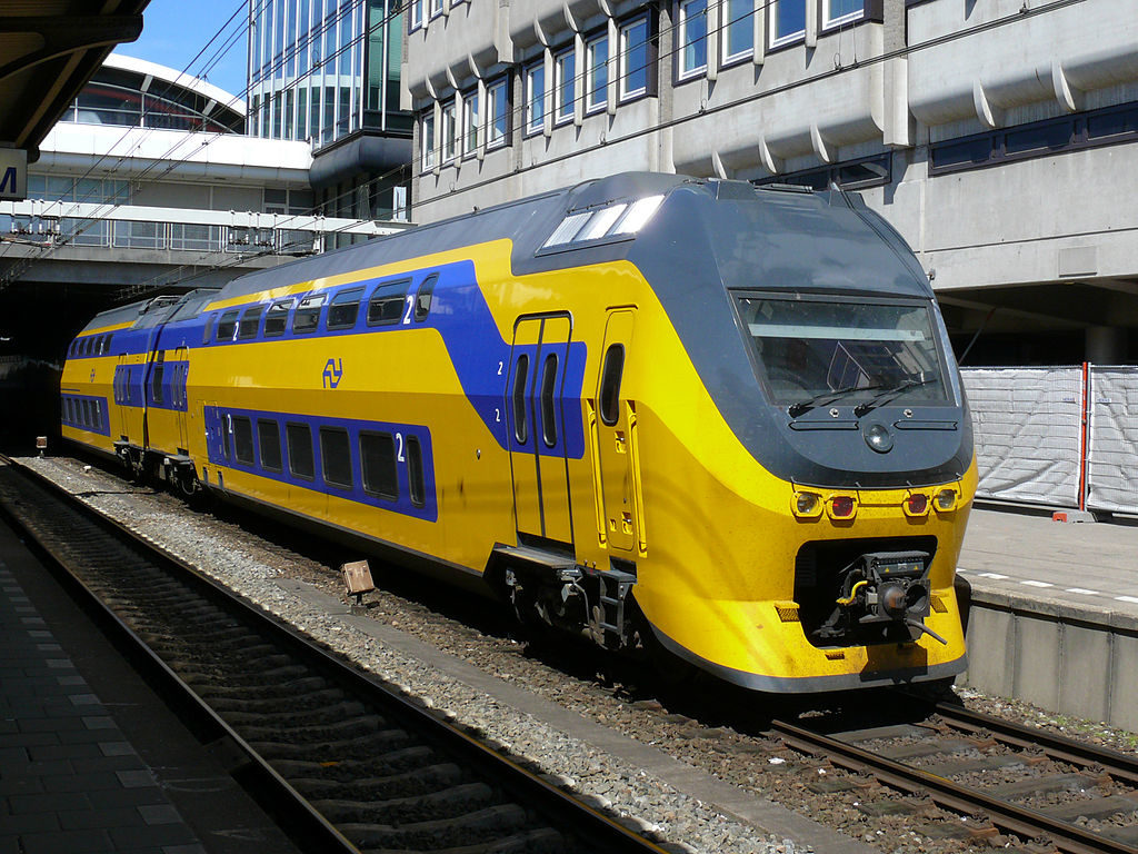 An NS train. Credit: Wikimedia Commons, Ad Meskens.