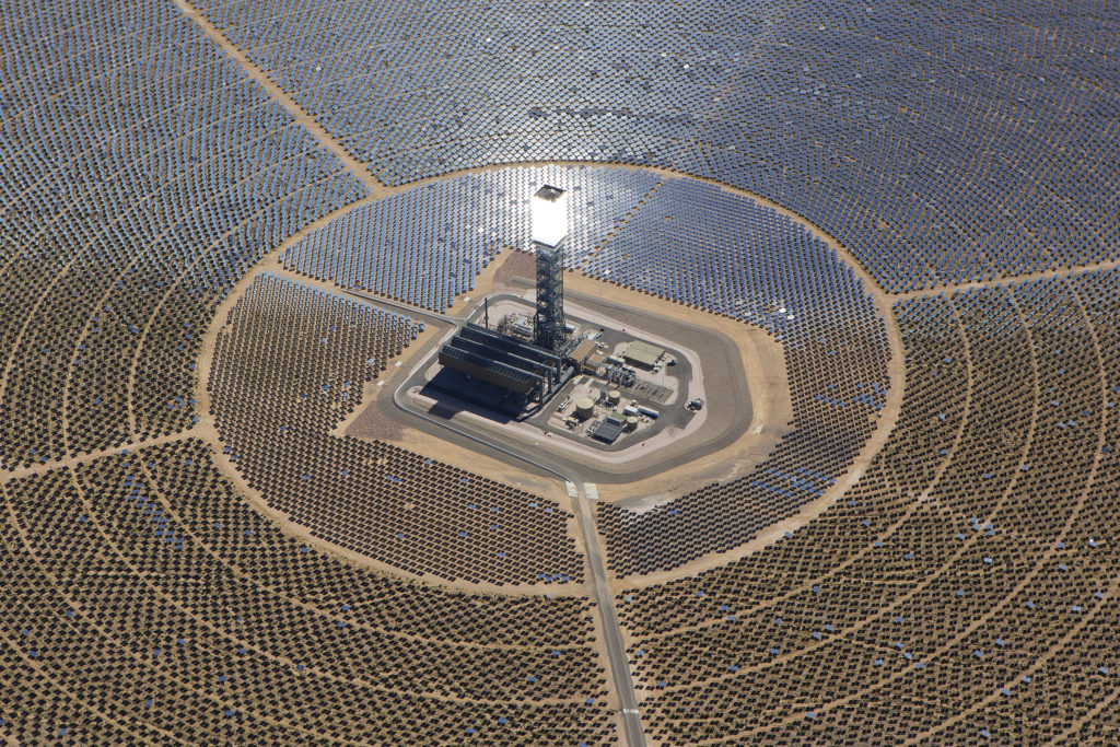 The amazing Ivanpah solar power in Nipton, California. Credit: BrightSource Energy.