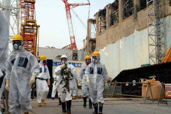 IAEA experts depart Unit 4 of TEPCO's Fukushima Daiichi Nuclear Power Station on 17 April 2013 as part of a mission to review Japan's plans to decommission the facility. Credit: IAEA Imagebank, Flickr.