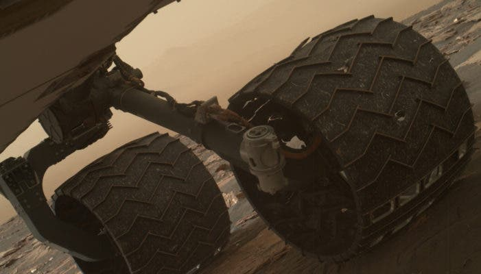 A selfie the rover took with its arm-mounted Mars Hand Lens Imager (MAHLI) camera showing the broken grousers.
