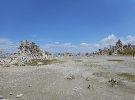 Mono Lake California August 2014. Credit: Wikimedia Commons.