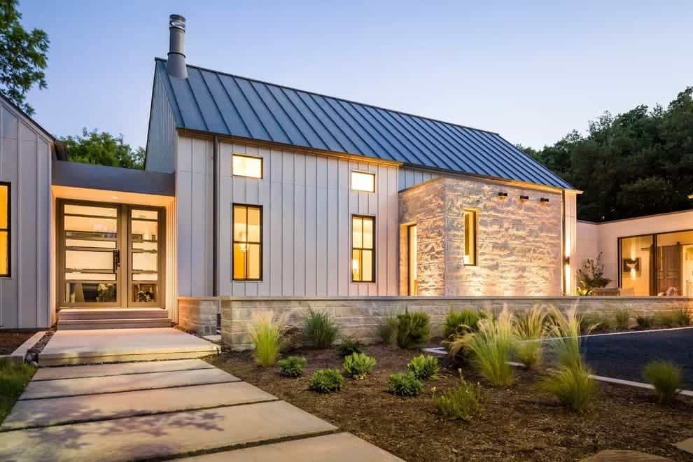 Solar Shingles For Sale >> Tesla competitor sells solar roofs for half the cost and ...