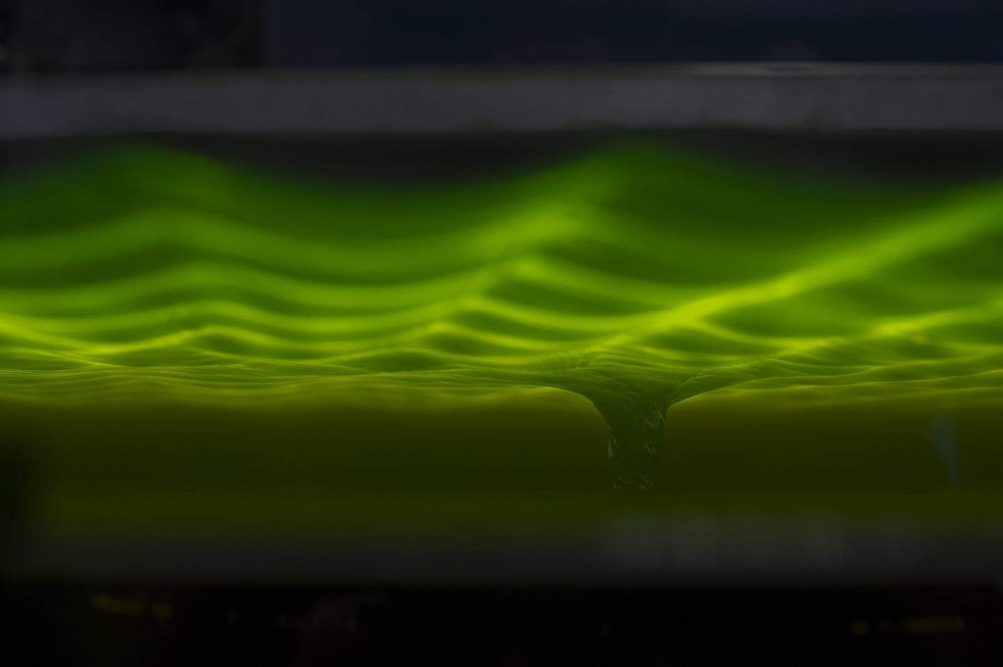 Physicists make waves by simulating black hole in a bathtub