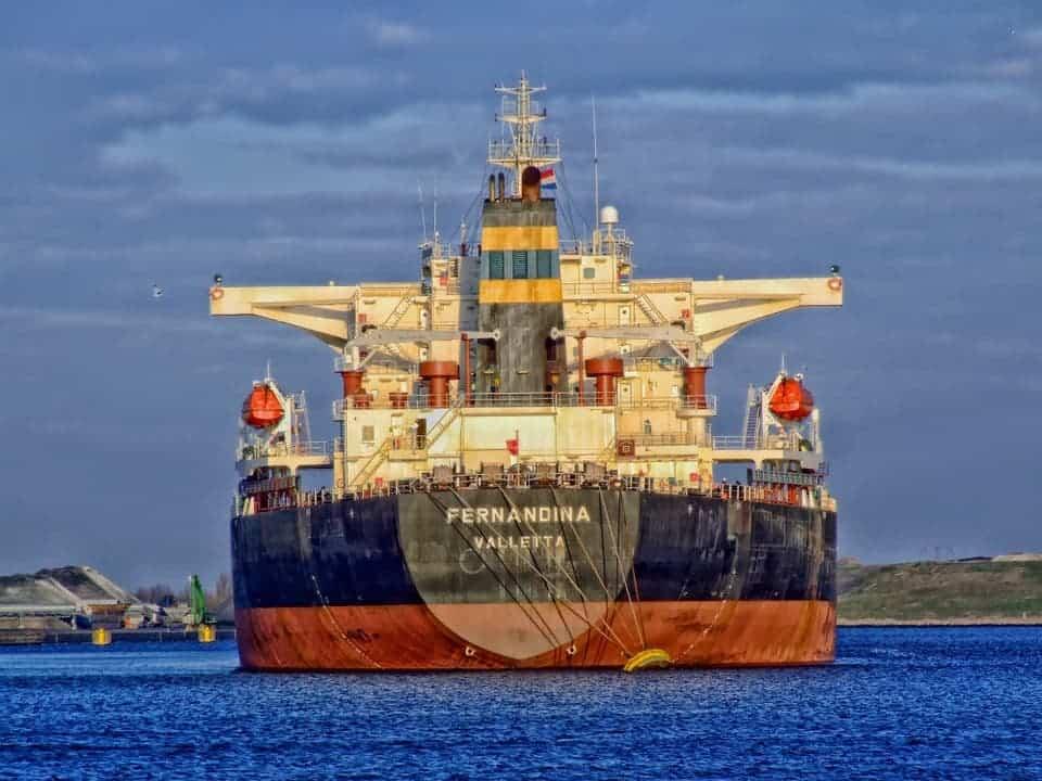 freightliner-385677_960_720