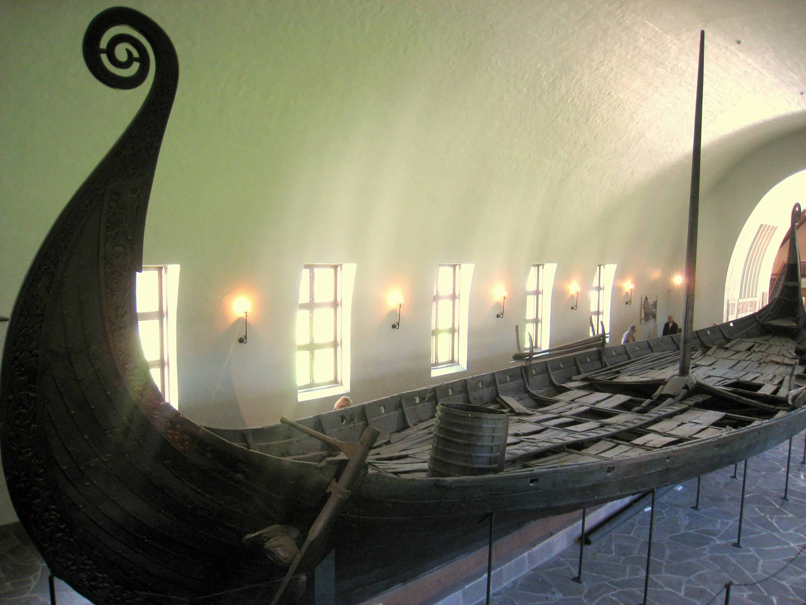 millenium old viking burial boat unearthed under a market square