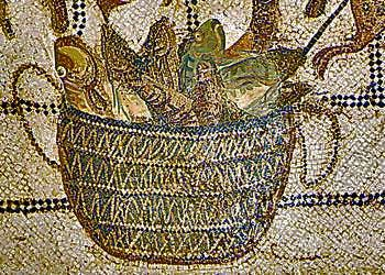 Colatura di alici, or garum, is one of the basic ingredients in the cuisine of Roman antiquity. It is a fish sauce that was used to salt dishes, seen pictured in this Roman mural. Credit: Wikimedia Commons.