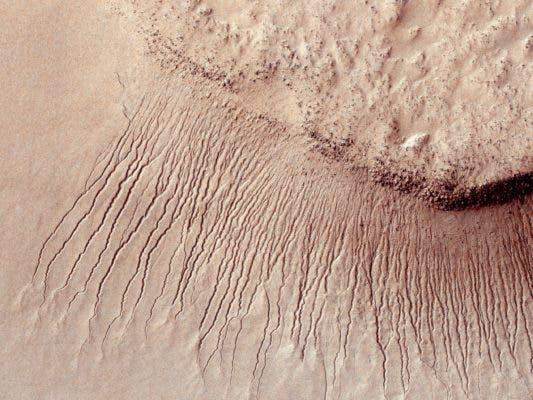 Gullies Mars.