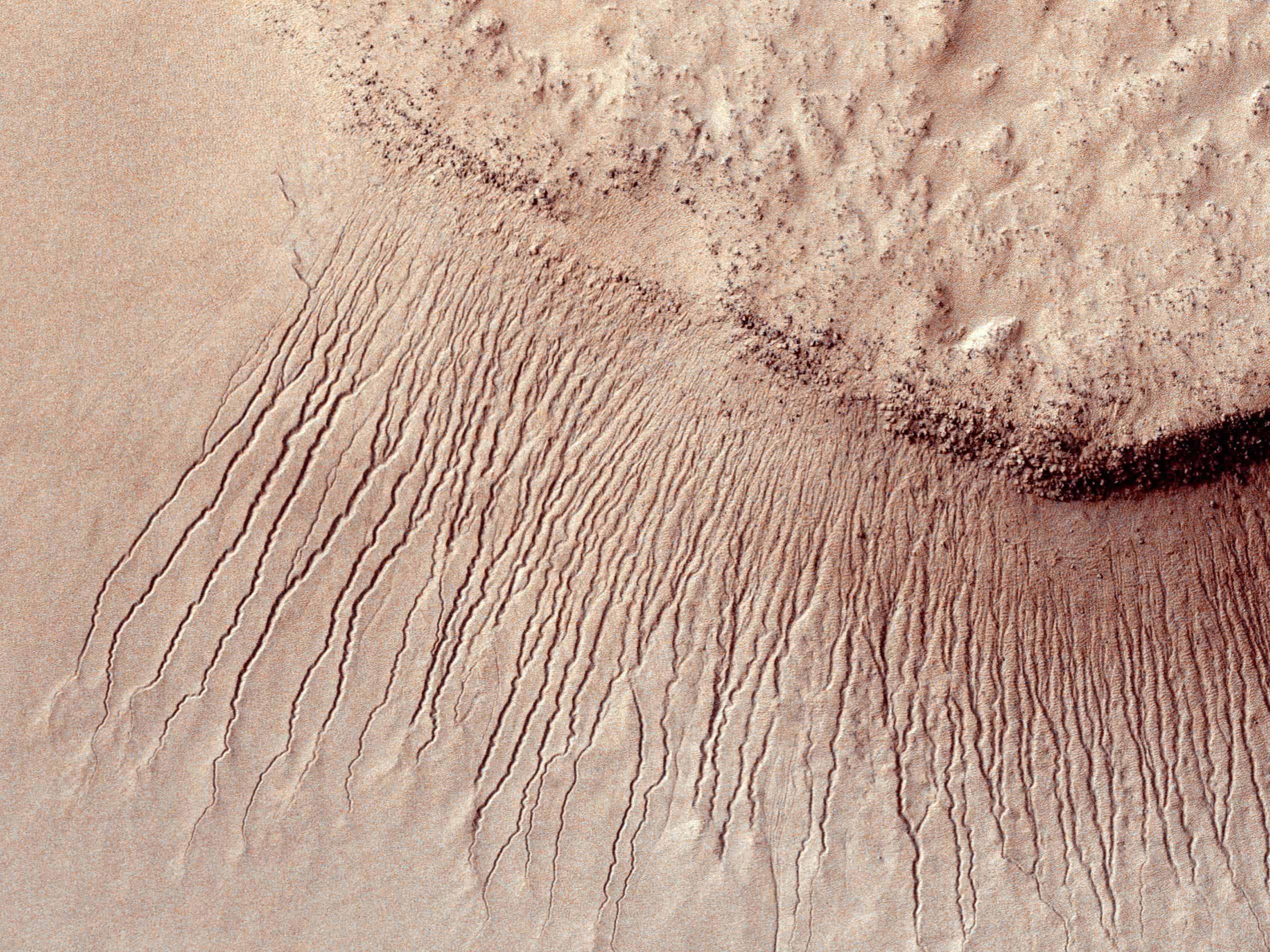 Boiling water shapes Mars' landscape, experiment reveals
