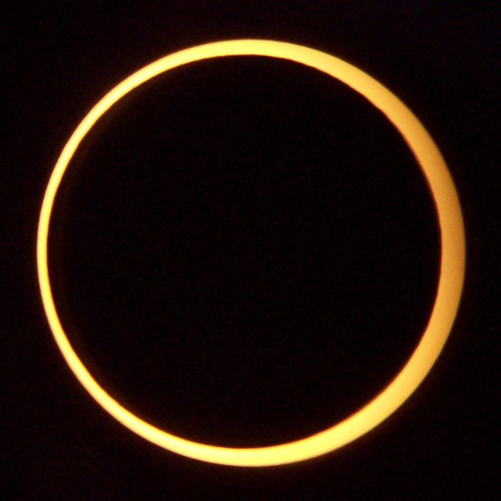 Annular Eclipse. Taken from Middlegate, Nevada on May 20, 2012. Credit: Wikimedia Commons.