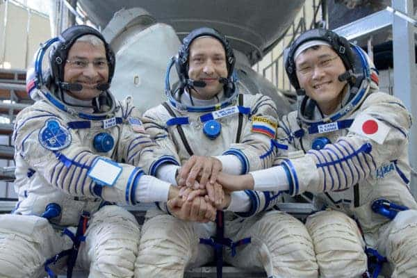 ISS astronaut Norishige Kanai (first from right) grew 9 cm taller in only 3 months in space. Credit: NASA.