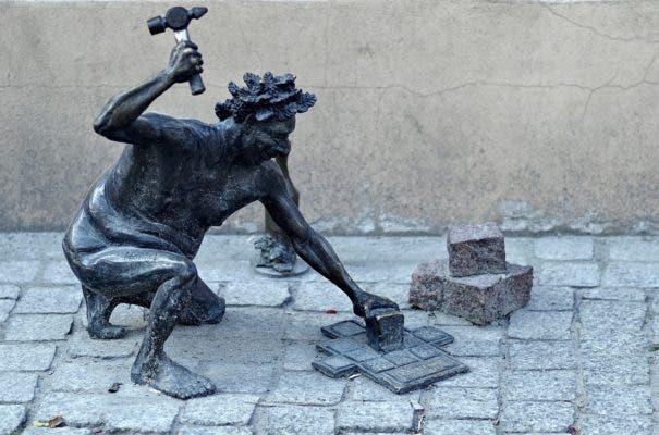 Mason statue.