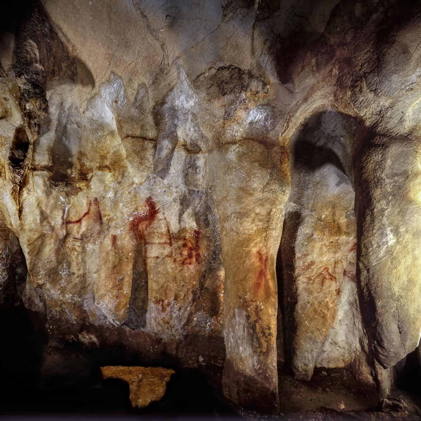 The Earliest European Cave Art Was Made by Neanderthals