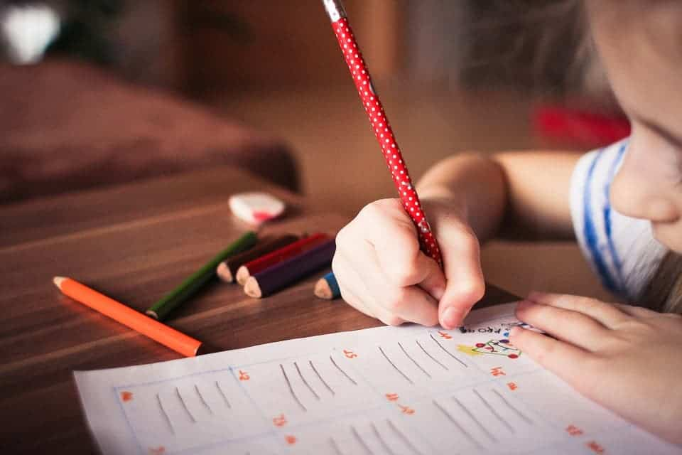 Excessive touchscreen use hampers kids' ability to hold pencils