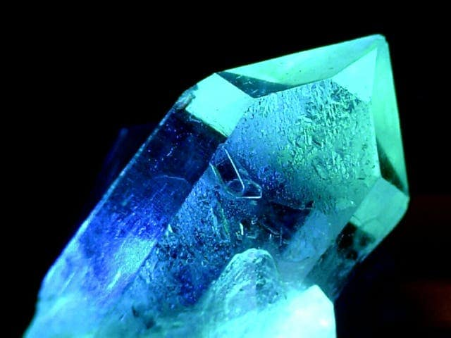 What Can Quartz Crystals Really Do?Quartz Crystal Science